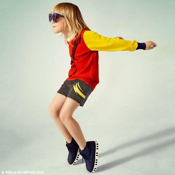 STELLA MCCARTNEY KIDS Color Block Lucky Guitar Sweater & Grey Blake Denim Shorts
