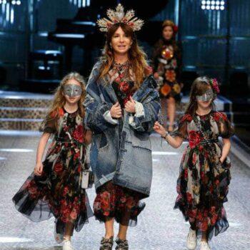DOLCE-GABBANA-Girls-Pink-Black-Cagnolini-Puppy-Maxi-Dress-FW17-Runway-Show