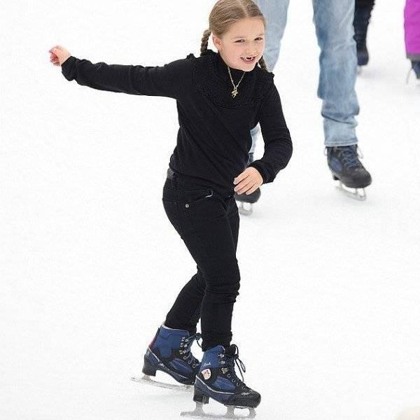 Harper Beckham Chloe Black Mini Me Sweater Ice Skating New York Feb 2018