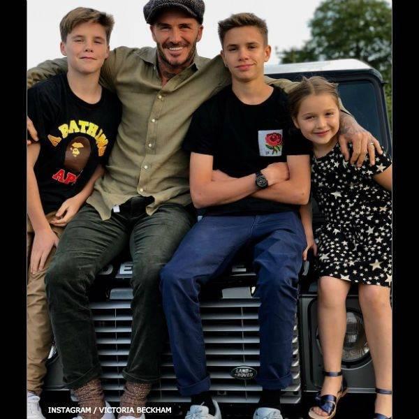 Harper Beckham - CHLOE Blue Bow Leather Sandals Fathers Day David Beckham June 2018