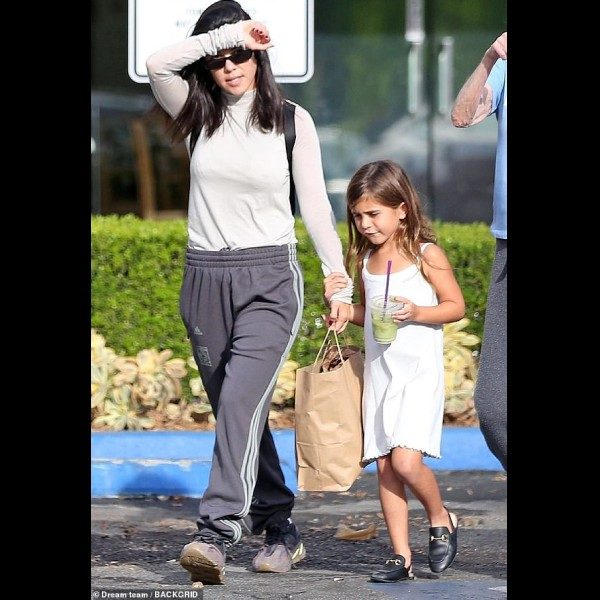 Penelope Disick Kourtney Kardashian - GUCCI Girls Black Princetown Leather Shoes