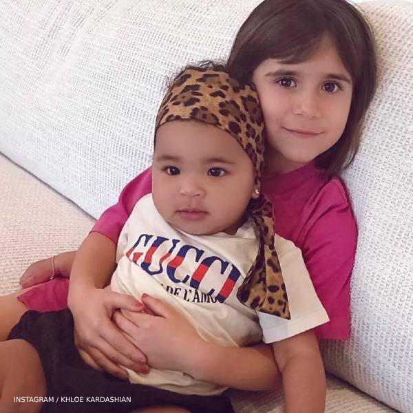 True Thompson Penelope Disick - GUCCI Baby Girl White La Maison de LAmour Tshirt