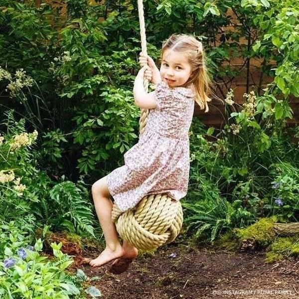 Princess Charlotte RHS Garden Rachel Riley Ditsy Floral Button Dress