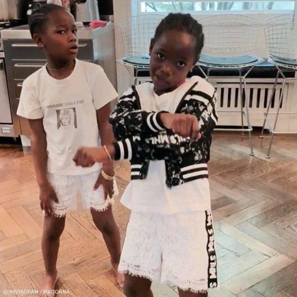 Madonna's Twins Esther & Stella Monnalisa Black & White Lace Jacket & Shorts