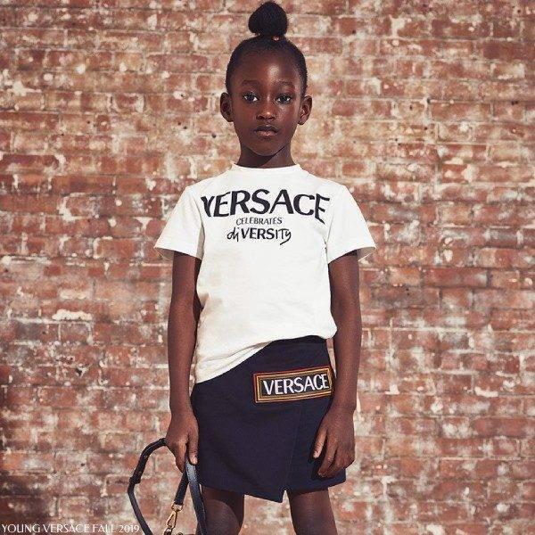 Young Versace Celebrates Diversity White T-shirt Black 90s Logo Vintage Skirt