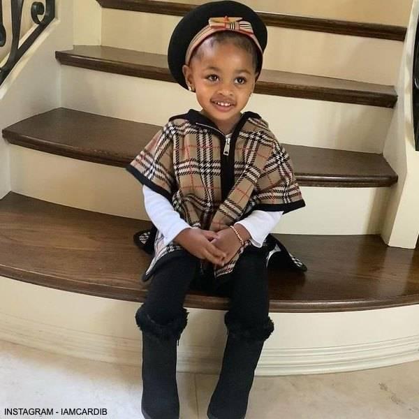 Cardi B Daughter Kulture Burberry Baby Girl Merino Wool Beige Vintage Check Cape