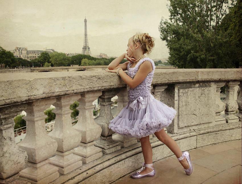 angels face girls pettiskirts paris