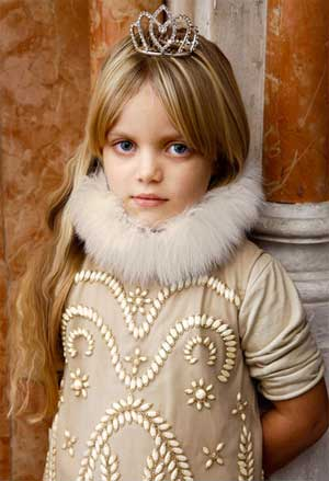 quis quis gold dress embroidery