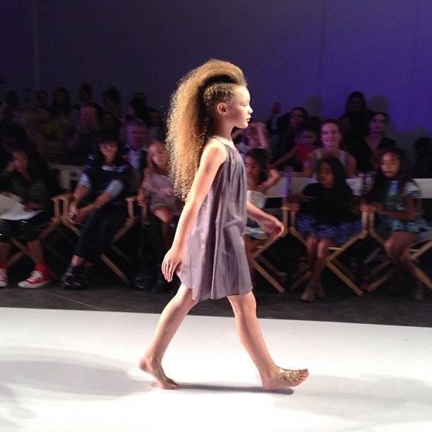 Pale Cloud Girls Fashion SHow