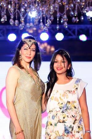 Aditi govitrikar with jewellery Designer Alka Kumar