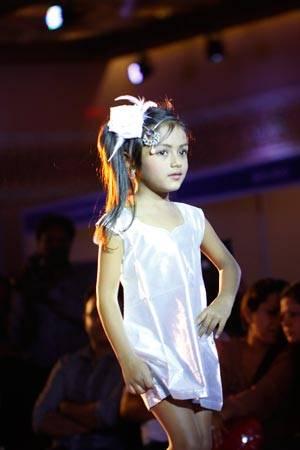 Ashwika-Amit-in-Designer-Alka-Kumars-Jewelery
