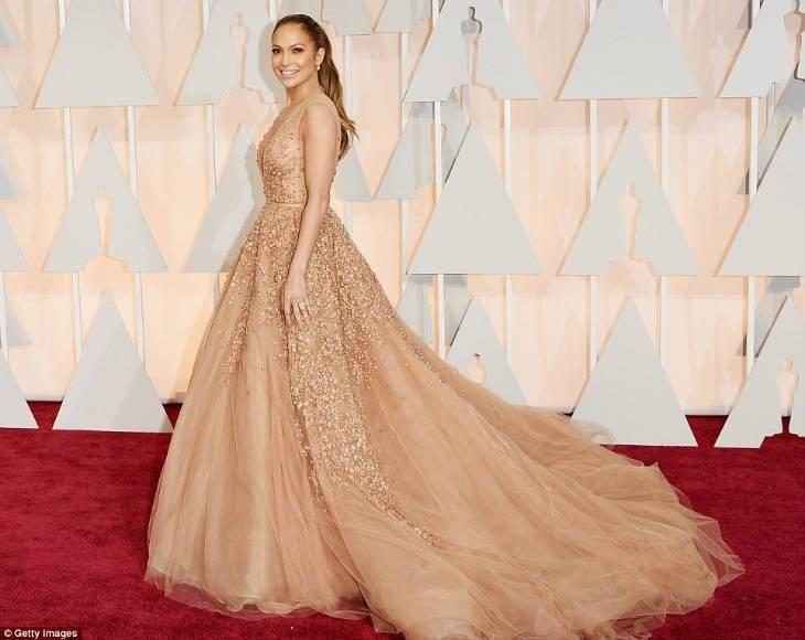 Jennifer Lopez in Gorgeous Elie Saab Dress