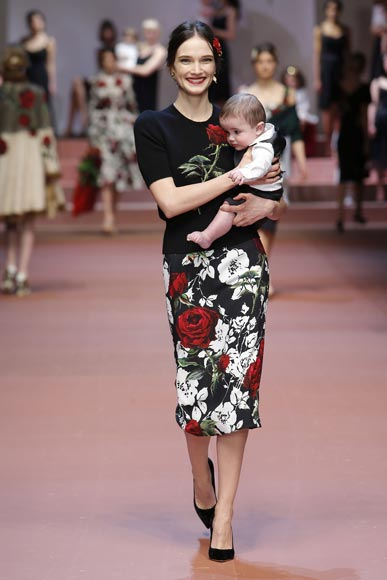 dolce-and-gabbana-winter-2016-mommy-baby-boy