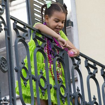 Blue Ivy Carter New Orleans Mardi Gras 2017 Green Gucci Mini Me Dress