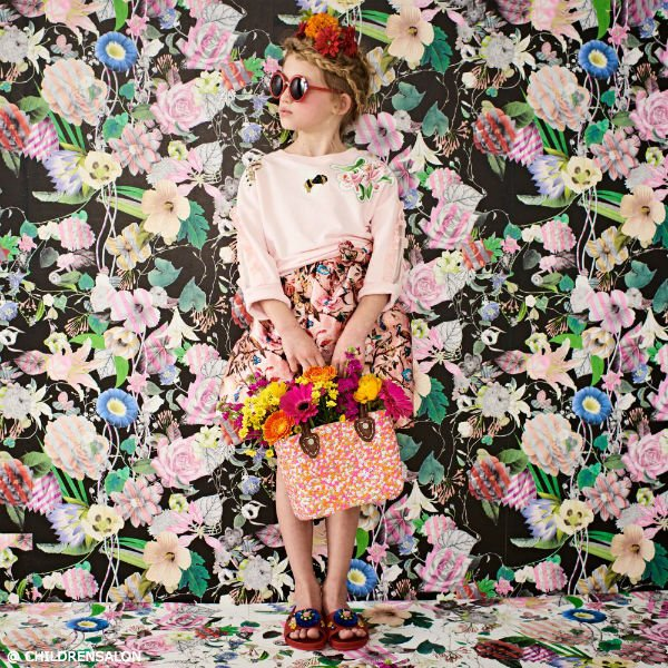 SHOP PAN CON CHOCOLATE Girls Pink Printed Dress & Moon Et Miel Straw Sequins Bag
