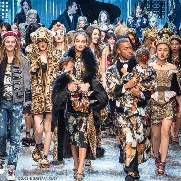 Dolce & Gabbana DG FAMILY Mini Me Fall 2017